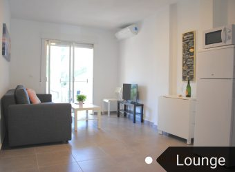 BP1956 Beautiful modernized 1 bed apartment 200Mtrs from the sea.