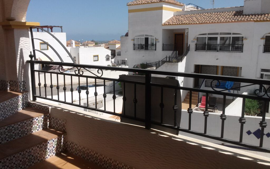BP1969 2 bed Penthouse apartment in Entre Naranjos